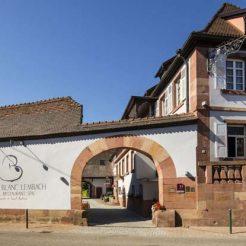 Facede du Cheval Blanc
